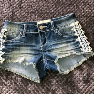 Almost famous shorts size 0